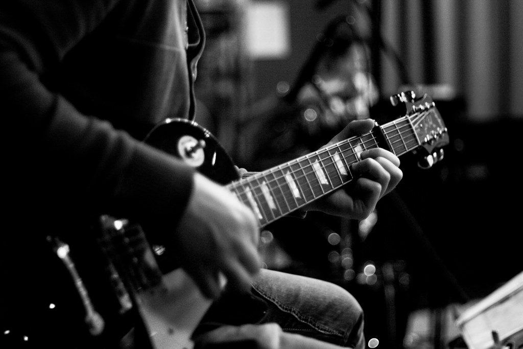 clases-de-guitarra-en-santiago-las-condes-la-dehesa-vitacura-chicureo-san-carlos-de-apoquindo-providencia-chile